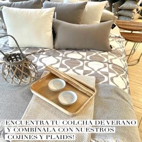 Igual que con el cambio de armario, nuestra cama también necesita un cambio con el buen tiempo. Nuestra colección de boutis o colchas de verano, plaids y cojines decorativos te ayudarán a conseguir la combinación perfecta! Viste tu cama con opciones más fresquitas, lisas o estampadas para conseguir el estilo que más vaya contigo  #bouti #bed #bedroom #cama #colchas #colchadeverano #cojin #cojinesdecorativos #cozy #deco #decoration #plaids #style #tendencias #textiles #textilhogar #trends